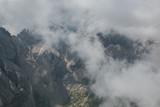 Nebbia sulla vetta della Marmolada in Veneto - 220500900