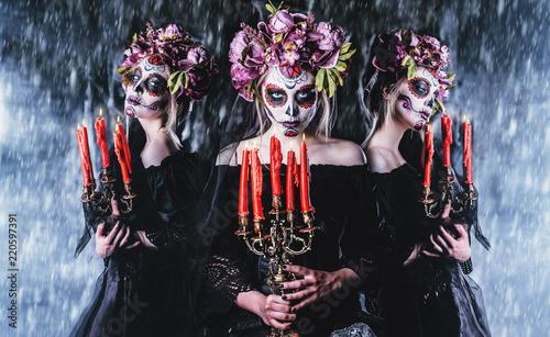 Leinwandbild Motiv frightening female image