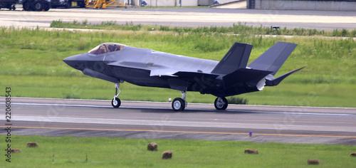 fototapeta na ścianę ジェット戦闘機 ジェット機 戦闘機 F35ステレス機 ステレス戦闘機
