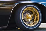 Goldene Felge an einem Muscle Car