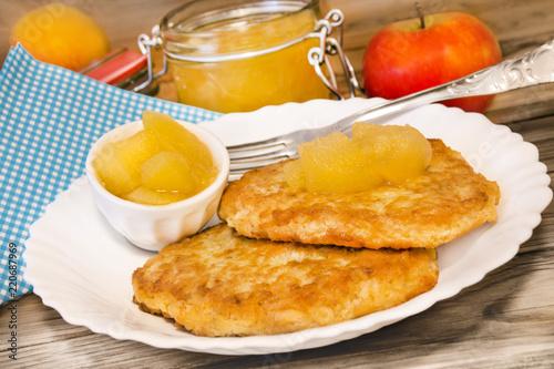 Leinwanddruck Bild Kartoffelpuffer  -  Potato Fritters