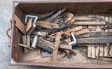 Bauschutt, altes Holz im Container - 220747140