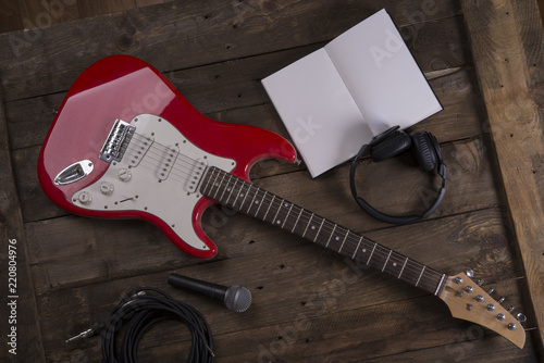 Electric guitar wallpaper with writing pad - 220804976