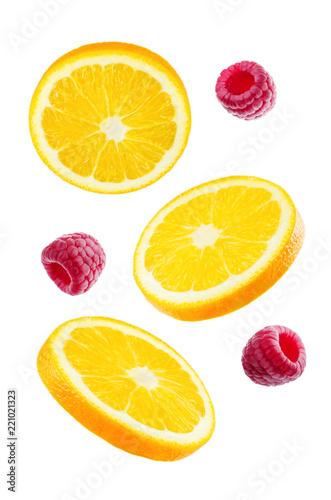 Foto Murales Flying Oranges with raspberries
