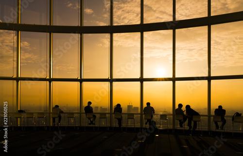 東京風景・高層ビルから望む夕日・渋谷方面