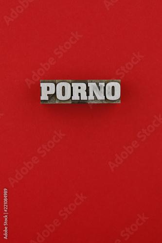 P-O-R-N-O-R-O-T © polarocket