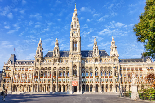 fototapeta na ścianę VIENNA / AUSTRIA - October 19, 2013: Picturesque view of Gothic building of Vienna City Hall. Wiener Rathaus