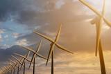 3D rendering van windmolens bij avond schemering - mooie zonsondergang wolken met op de voorgrond windmolens - 221191386