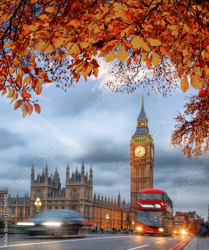 Fridge magnet Buses with autumn leaves against Big Ben in London, England, UK