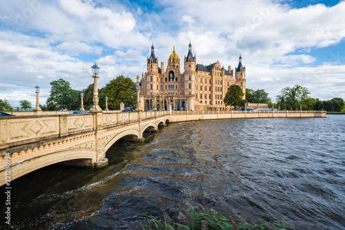 Leinwanddruck Bild Schwerin palace or Schwerin Castle, northern Germany.