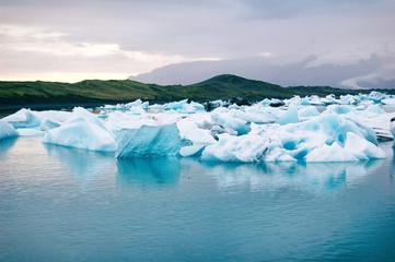 Jokulsarlon glacier lagoon © Stolenpencil