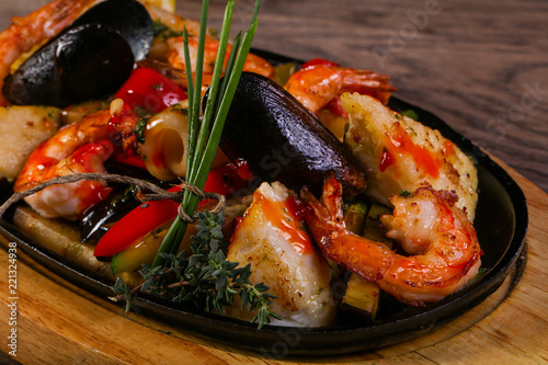 Seafood pan mix - 221324938