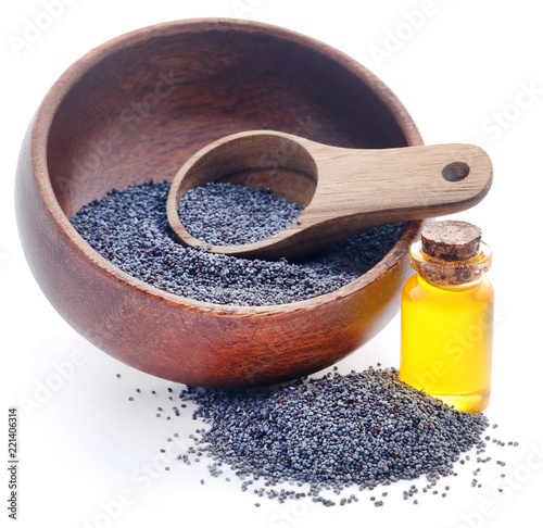 Poppy seeds with essential oil