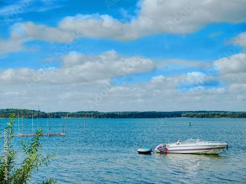 Leinwanddruck Bild Sommertag,himmelblau,Wolkenhimmel,Nationalpark,See,Müritz,Waren