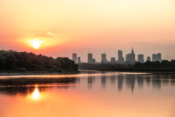 Sunset over Warsaw_1 © Filmum