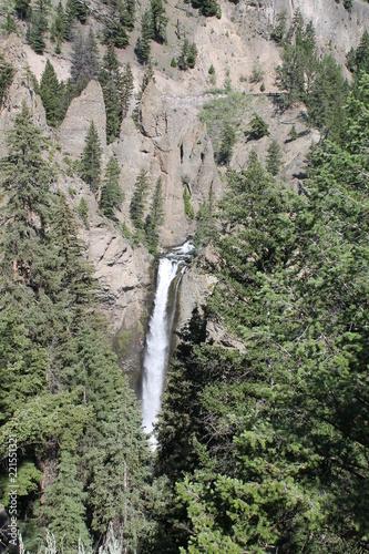 イエローストーン国立公園(クリスタル滝) - 221551321
