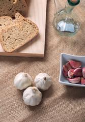 Garlic bread and oil