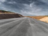 neu gebaute Straße frontal