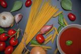 Tomatens0ße mit Nudeln, Spaghetti und Gemüse