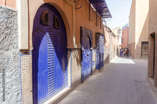 Fototapeta Blue doors of old Marrakesh