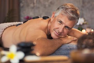 Senior man at beauty spa © Rido