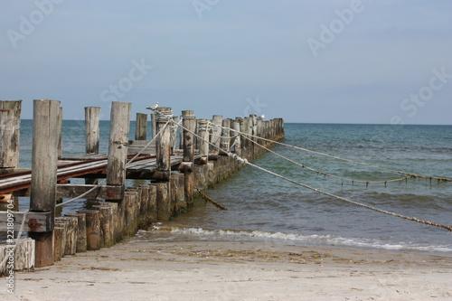 Alter Bootssteg in der Ostsee
