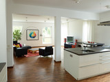 Bright living room - 221822551