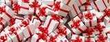 Zu Weihnachten viele Geschenke mit Schleife - 221826734