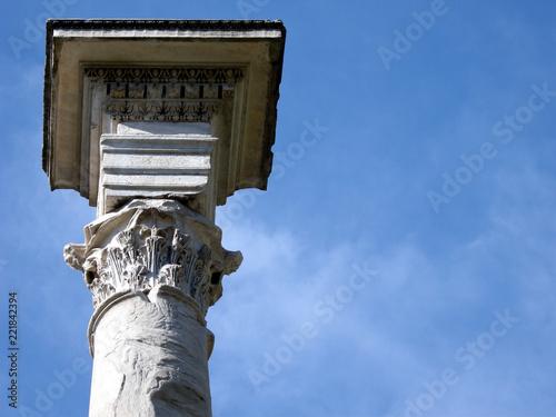 Rzym, kolumna koryncka