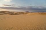 Coucher de soleil et dunes de sable dans le désert de Huacachina au Pérou Aventure Excursion  - 221846304