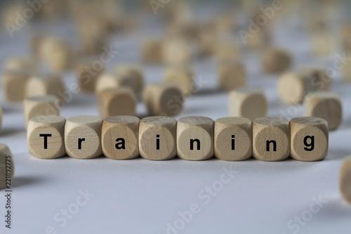 Training - Holzwürfel mit Buchstaben - 221892775