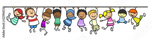 Kinder hängen an Linie als Trennlinie Dekoration - 221966536