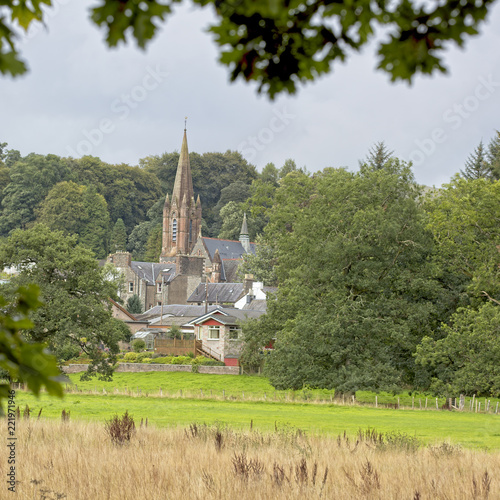 Foto Murales St Mary's Church across the fields, Moffat, Dumfries and Galloway, Scotland, UK.