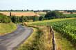 Route de campagne, en France, paysage bucolique