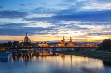 Panorama von Dresden zum Späten Abend