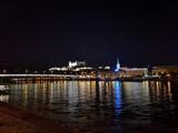 Bratislava - Panorama und Sehenswürdigkeiten bei Nacht