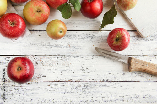 Foto Murales Apfel Apfelernte Äpfel freiraum Tisch Messer Holz