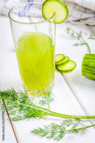 Fototapeta samoprzylepna Healthy cucumber drink