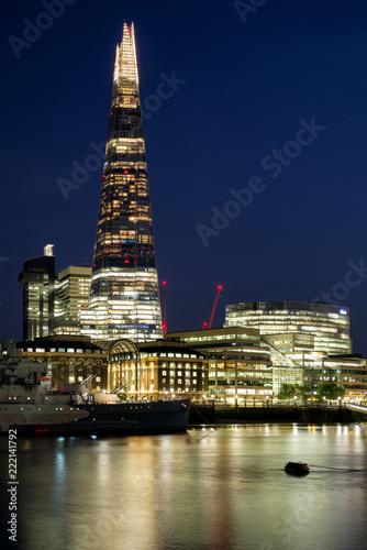 Fototapeta samoprzylepna London skyline at night