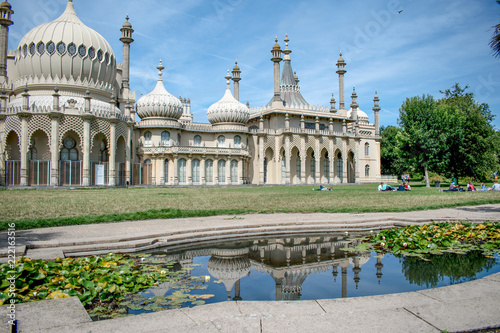 Foto Murales Royal Pavilion (Brighton Pavilion) palace with domes, on a summer day in Brighton, Sussex, England