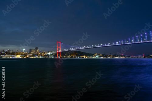 Fototapeta Boğaz köprüsü Istanbul Bosphorus Bridge at night. 15th July Martyrs Bridge. Istanbul / Turkey.