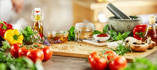 Panorama banner with fresh culinary herbs © exclusive-design