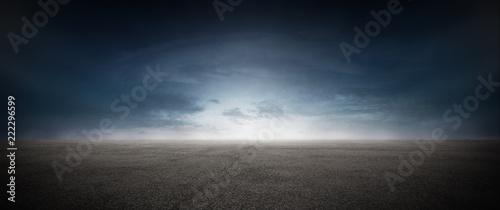 Leinwanddruck Bild Asphalt Beton Strasse mit Wolken Himmel Horizont Panorama