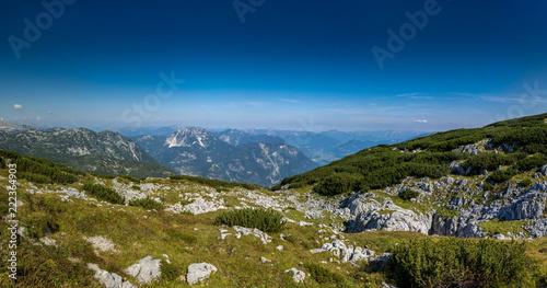 wandern weg alpen berge österreich - 222364903