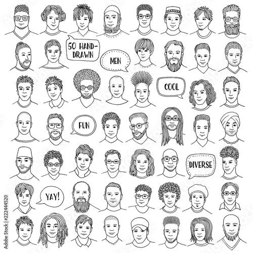 Zestaw pięćdziesiąt ręcznie rysowane twarze męskie, różnorodne portrety mężczyzn z różnych grup etnicznych, czarno-biały ilustracja tuszem