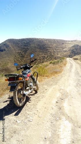 Motocicleta en la carretera