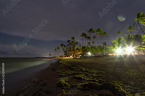 Piękna plaża przy nocą w karaibskim
