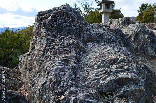 船岡山の磐座
