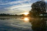 Sonnenaufgang am See - 222682127