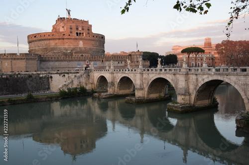 Most aniołów i zamek
